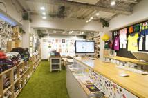 ARTON店内的情形。内部设有供艺术家展示作品的回廊。